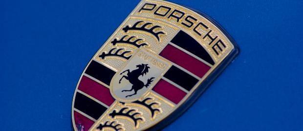 Porsche Crest